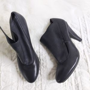 Coach Ankle Booties 7 Black Leather Fold Over Cuff